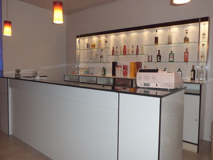 Bancone bar compra in fabbrica banconi bar produttori for Bancone bar prezzi